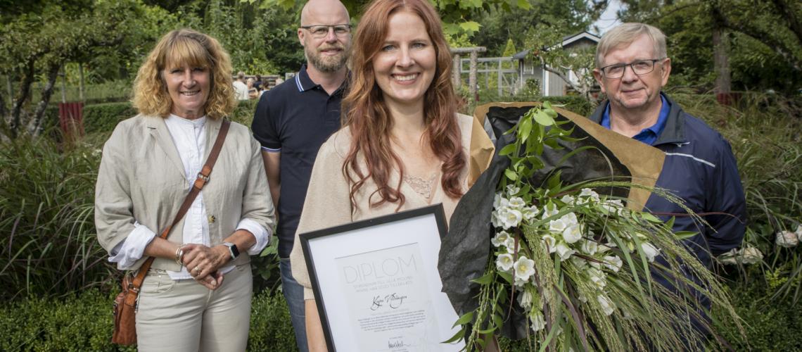 Stipendiaten tillsammans med Lena Vikström, vice ordförande i Swedish Gardens samt Magnus Svederberg från Höganäs kommun och Göran Nilsson vid tankesmedjan Movium, Sveriges lantbruksuniversitet SLU.